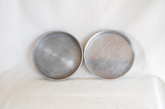 Set Of 2 Vintage 8 Inch Cake Pans With Removable Bottoms One