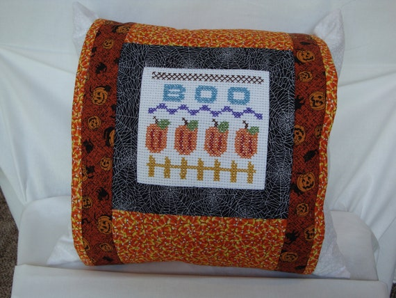 Halloween pillow wrap. halloween pillow cover, seasonal pillow wrap, pumpkin pillow wrap, Halloween decoration, Pumpkin decoration, autumn