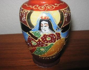 Vintage Japanese Satsuma Moriage Miniature Vase