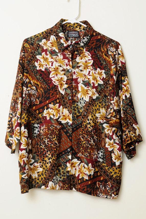 Vintage 80s/90s Tropical Oversized Jungle Cat Floral Print Button Up Short Sleeve Shirt.