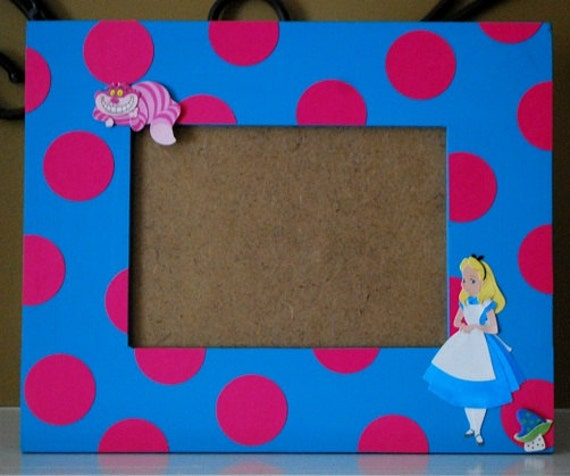 Alice in Wonderland Photo Frame Coordinates with Party Decor