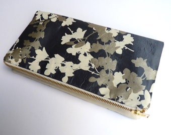 Cream leather and metallic silk clutch bag 1 bag, 6 ways to style.
