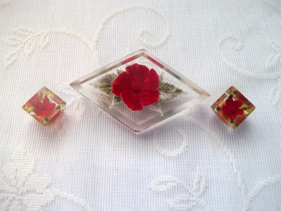 Clearance Sale-Red Flower Lucite Brooch