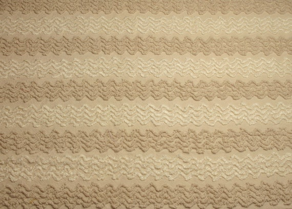 Sand Beige and Vanilla Creme Zigzag Cabin Crafts Vintage Chenille Bedspread Fabric - 26 x 21 Inches