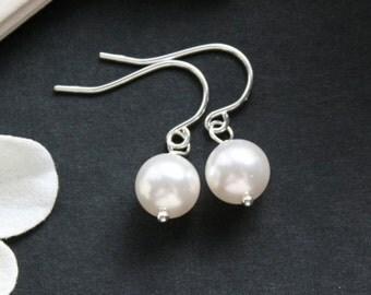 Pearl Earrings , Simple White Pearl Earrings , Sterling Silver , Wedding Jewelry, Bridesmaid Jewelry , Simple Elegant Timeless Earrings