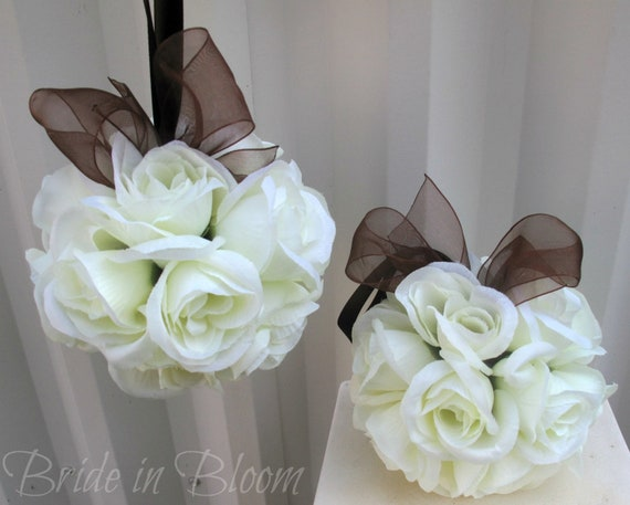 Flower girl pomander - Ivory and brown Kissing ball - Wedding decoration pew markers