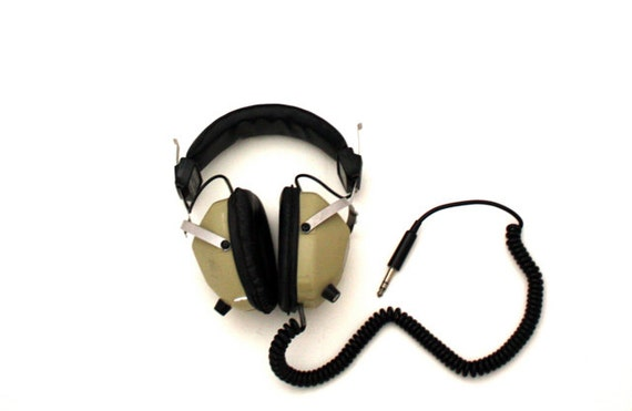 Vintage REALISTIC Nova Pro Headphones