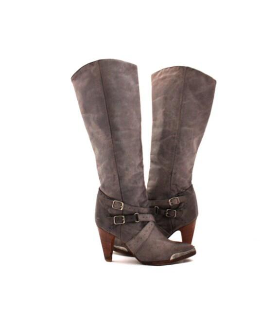 Vintage Woman's Grey ZODIAC Boots Size 8 M