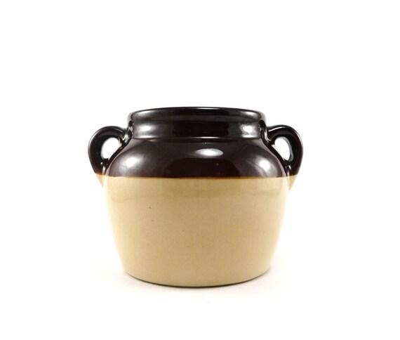 Brown stoneware bean pot