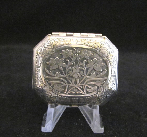 Vintage Compact 1920s Compact Karess Woodworth Compact Silverplated Compact Powder Compact Rouge Compact Mirror Compact Antique Compact