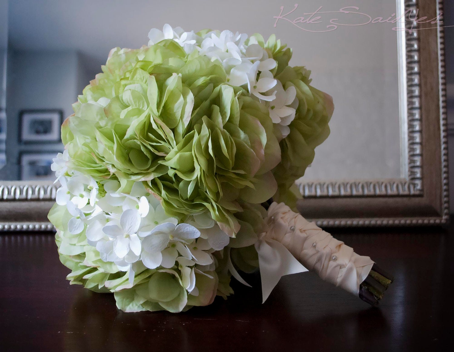wedding bouquet green and white hydrangea bridal bouquet. Black Bedroom Furniture Sets. Home Design Ideas