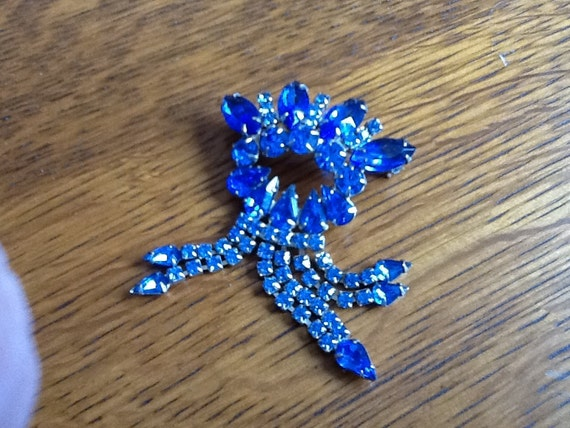 ON RESERVE Vintage Royal Blue RHINESTONE Faceted Brooch Pin With Dangly Accents