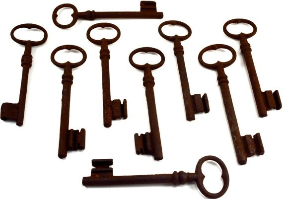 Antique Skeleton Key for Steampunk Art, Steampunk Supplies, Rusty Old Key