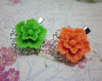 Flower Hair Clips. Set of 2. Green and Orange Sakura Filigree Alligator Hair Clips. Gift for her.