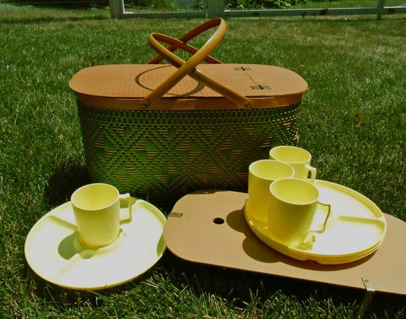 Picnic Basket with Tray Plates Cups Dishes