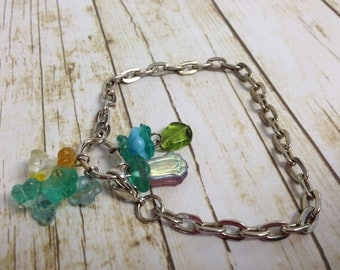Simple Czech glass flower bracelet