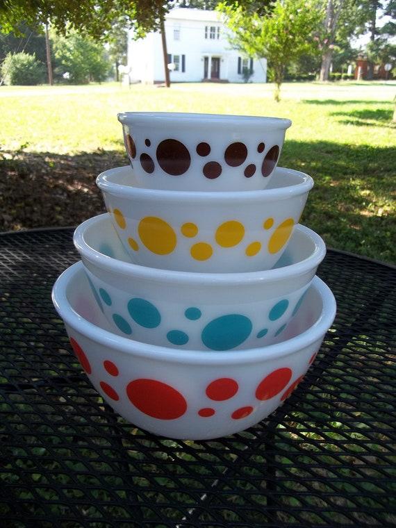 Vintage Hazel Atlas Polka Dot Mixing Bowls