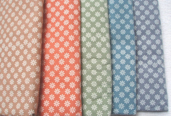 5 FQ bundle of hand block printed fabric.  100% organic cotton. Daisies. Chalky Pastels in 5 colors. FT07312012-008-FQ5