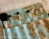 Mini Travel makeup brush roll in Vintage Field print
