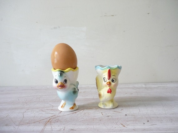 Collection of 2 Vintage Egg Cups - Blue bird and Rooster