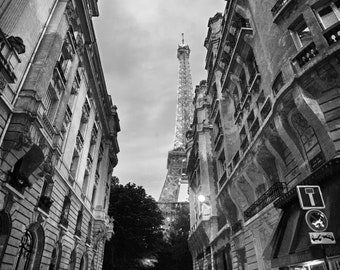 Eiffel Tower Noir