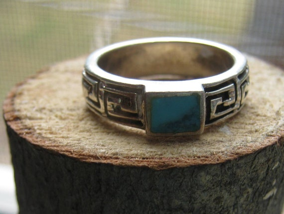 Southwestern Vintage Sterling Silver Ring with Tribal Design Band and Turquoise Stone Ladies Size 7