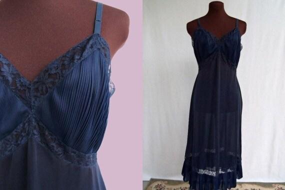 Vintage 50's Lingerie Navy Blue Full Slip Vanity Fair 36 Accordion Pleats