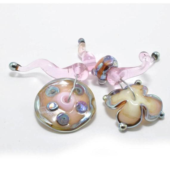 Strawberries & Cream : Handmade Lampwork Beads