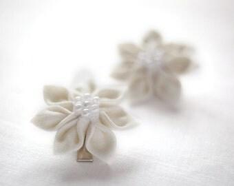 Ivory hair clips - Flower girl hair clips - Toddler hair clips - Champagne hair clips - Bridesmaid hair clip - Kanzashi hair clips