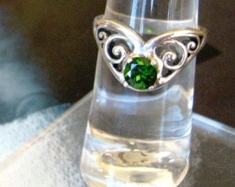 Green Chrome Diopside Gypsy Ring sterling silver scroll handmade custom sizes half sizes 4 5 6 7 8 9 10 11 fine jewelry collector gem
