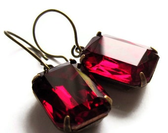 Ruby Red Glass Claw Set Dangle Earrings Retro Fashion Evening Jewelry