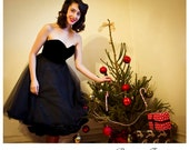 Velvet and tulle strapless Black 1950's style dress