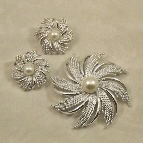Vintage Brooch Earrings Set  Sarah Coventry Swirls Silvery Sunburst