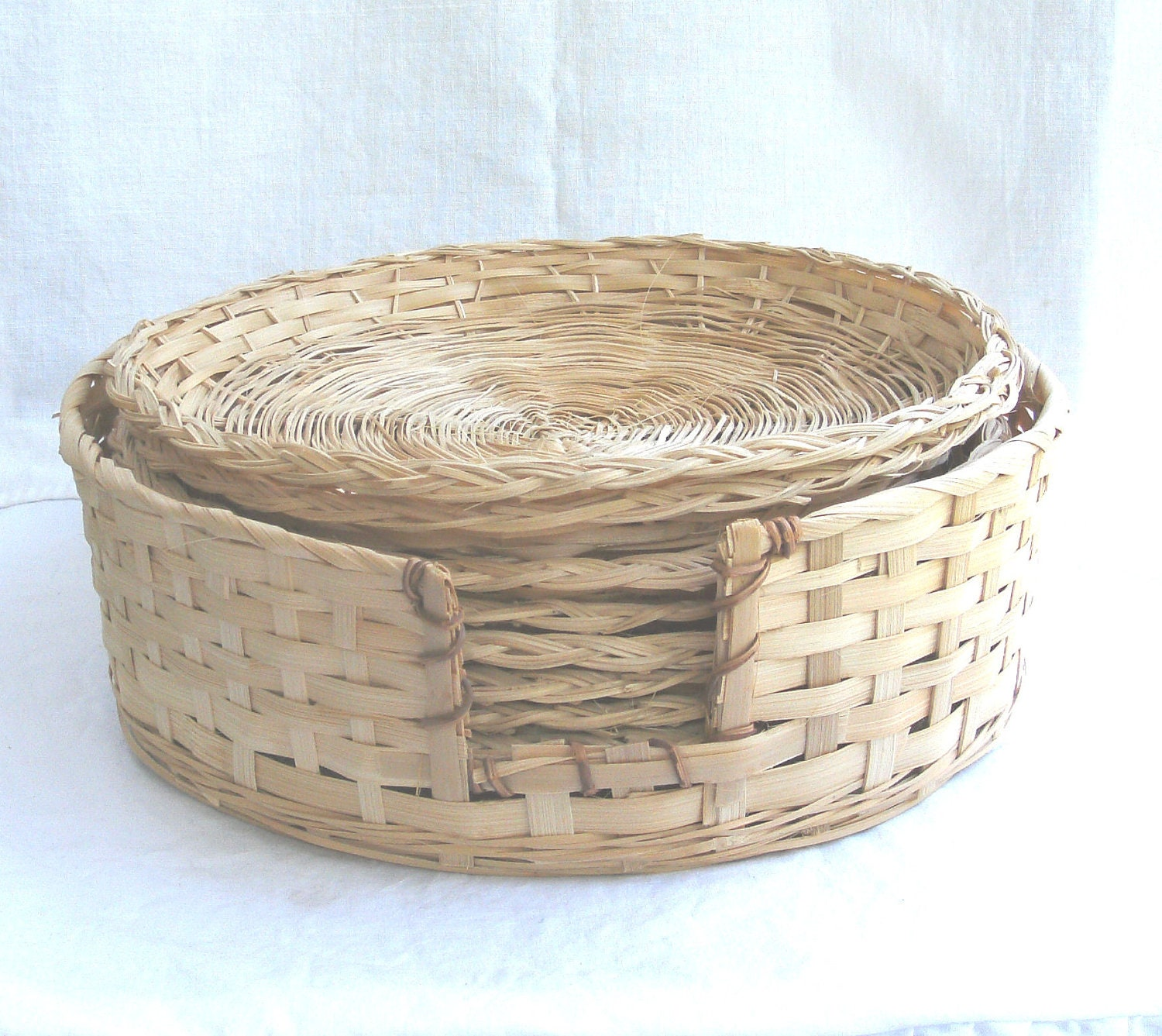 rattan paper plate holders and basket set of eight. Black Bedroom Furniture Sets. Home Design Ideas
