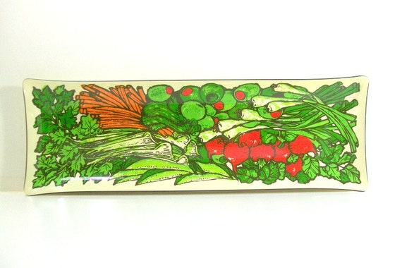 Retro Colorful Graphic Veggie Tray