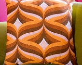 YOOTHA 1970s Swirly Vintage Fabric Cushion With Cord Back & Self-Covered Buttons (44.5 cms)