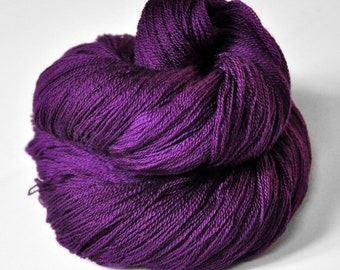 Poisoned by love - Merino/Silk/Cashmere Fine Lace Yarn