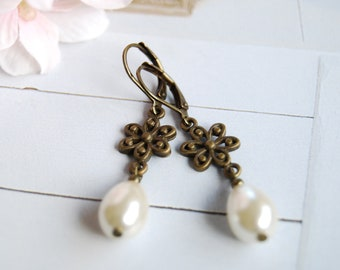 Bronze Flower Cream teardrop Pear Shaped Pearl Earrings. Vintage Style Wedding Earrings,  Bridal Pearl Earrings, Bridesmaid Earrings