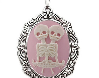 Skeleton Twins Cameo Necklace - Ivory/Pink