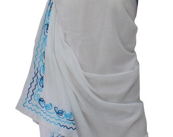 La Leela Contrast Threaded hand Embroidered White sarong