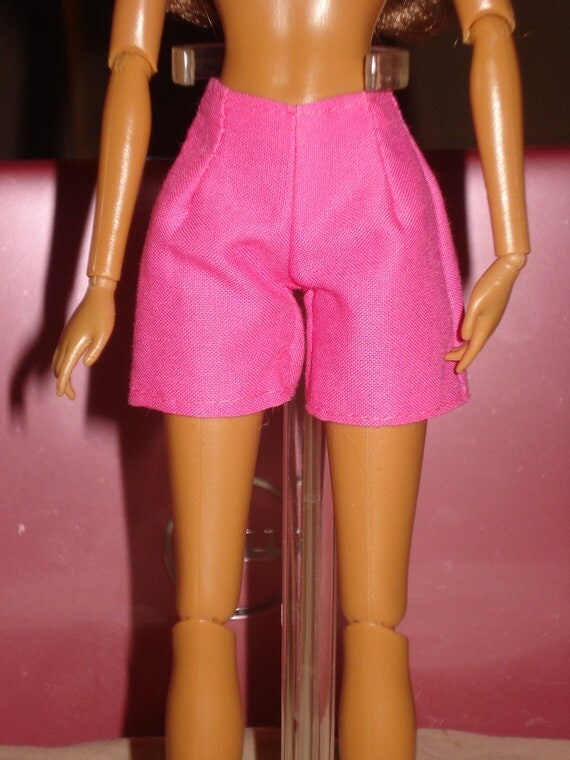 Barbie Doll Separates -  Bright pink shorts for Barbie Dolls - es36