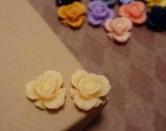 SALE - 20pcs of Matte Light Peach - Rainbow Iris Rose -CMVision Exclusive-11.5mm Resin Flower Rf05 03