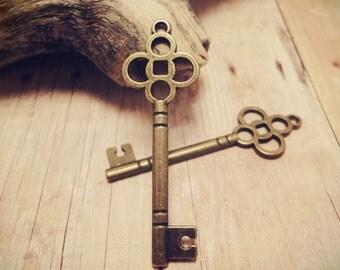 10pcs Antiqued Bronze Victorian Key Charm Pendant Drop 46x15mm P30-HK9645