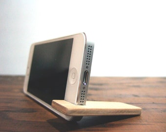 iPhone stand. 7 PLUS / 6SE / 6S PLUS.  cherry wood with charcoal.