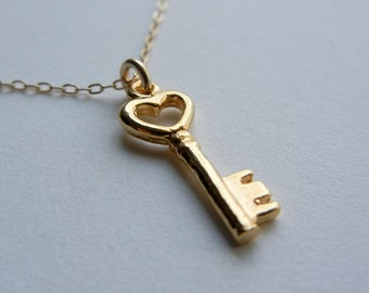 Key to My Heart Necklace (Gold)