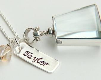 Mom Glass Locket Necklace, Wedding Party Nana,  Silver Charm Personalized Mom NEcklace, Personalized Graduation Locket,
