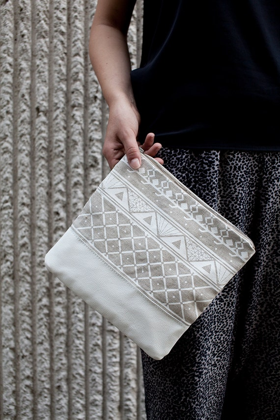 Triangle Printed Leather Pouch white  No. ZP-601