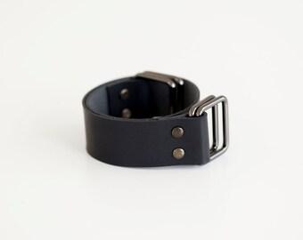 Leather carry strap for furoshiki bag (black)