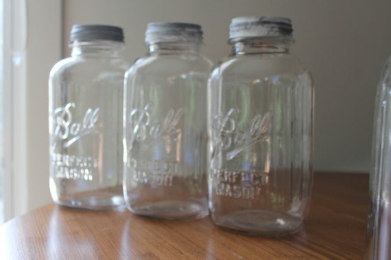 Three Ball Half Gallon Ribbed Squared Clear Mason Jar with Zinc Lids