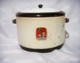 Vintage Nesco Thrifty Cook Casserole no. 4211, Mid-century Retro Slow Cooker, Working Kitchen Appliance